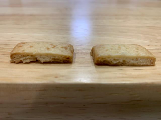 左が薄力粉クッキー、右が強力粉クッキー
